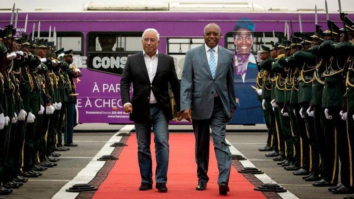 """Chegada informal"" justifica jeans e mocassins de António Costa na visita oficial a Angola"
