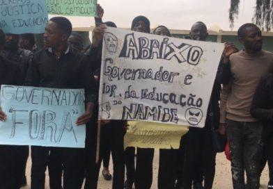 Cinco centenas de pessoas pedem demissão do governador do Namibe