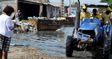 Moradores do bairro Terra Vermelha clamam pela ajuda imediata do governo – III