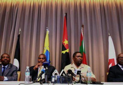 """Oposição angolana pede revisão da Constituição face aos """"excessivos poderes"""" do PR"""