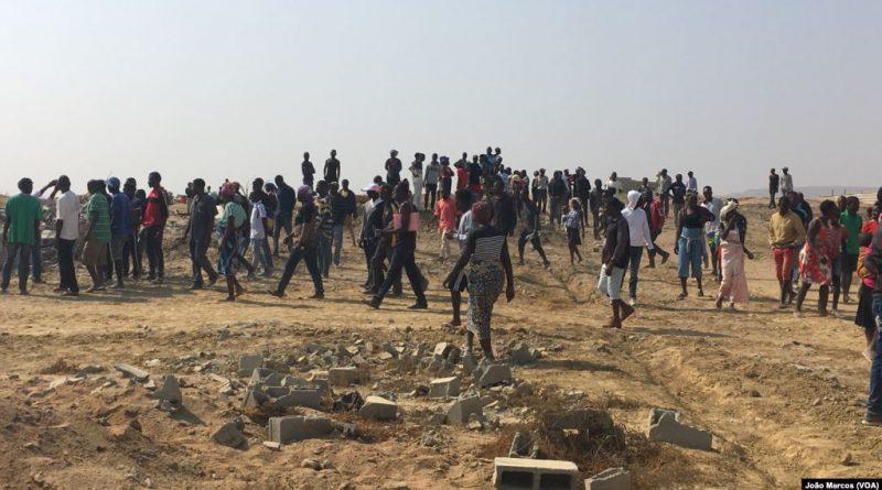Dezenas de famílias desalojadas após demolições com carga policial em Benguela