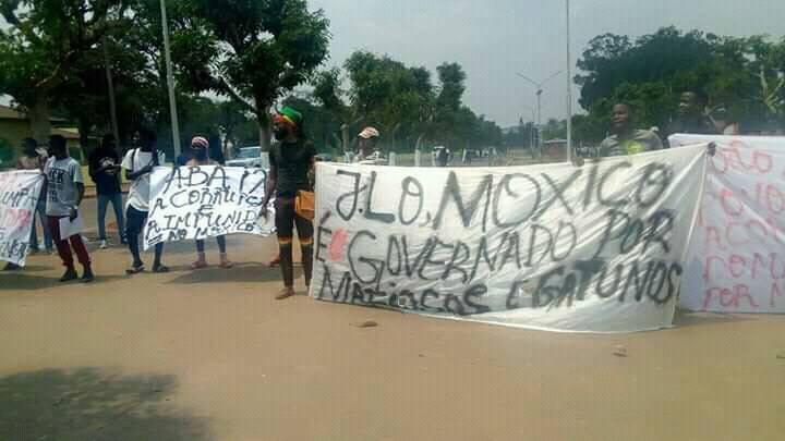 Manifestantes detidos pela Polícia Nacional no dia em que João Lourenço visita província do Moxico