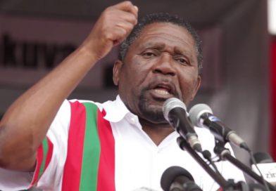 Isaías Samakuva garante continuar na política activa e servir a UNITA no Parlamento