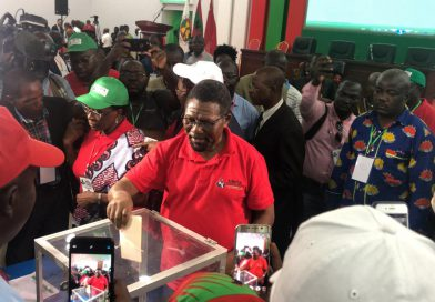 Isaías Samakuva diz que não aceita cargo de embaixador e promete escrever memórias fazendo política activa em Angola