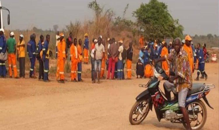 Trabalhadores da Sociedade Mineira do Cuango de braços cruzados por tempo indeterminado para exigir aumento do salário e condições laborais