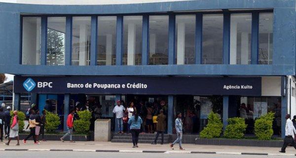 Funcionários bancários do BPC dizem-se perseguidos por terem denunciado desfalque financeiro