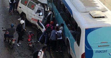 Colisão entre ambulância e autocarro da Macon faz um morto