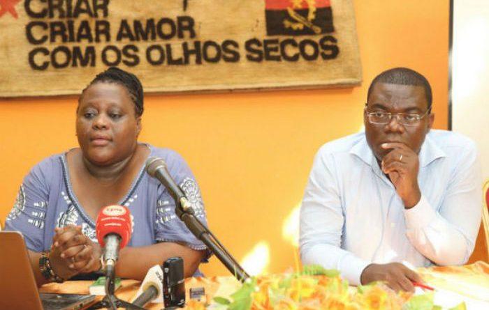 """Liberdade de imprensa: """"Há medo e excesso de zelo nas redacções em Angola"""""""