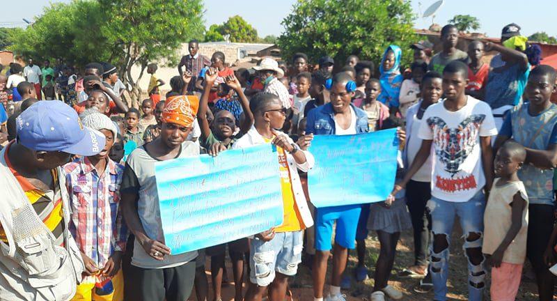 Em Cafunfo: População protesta nas ruas contra assassinatos constantes de civis