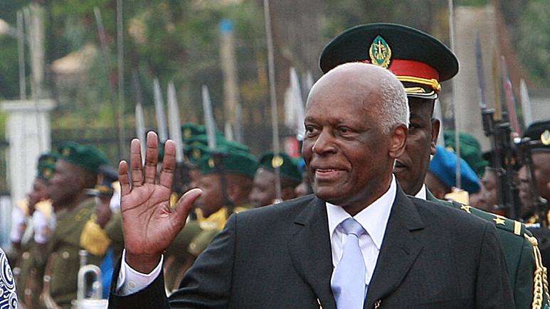 Ex-presidente José Eduardo dos Santos regressa a Angola dois anos depois em Espanha