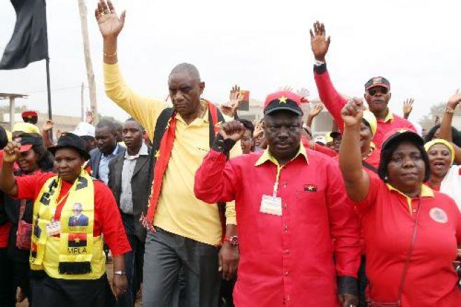 """Militantes do MPLA denunciam que conferências municipais foram dominadas por """"fraudes"""" na eleição dos secretários"""