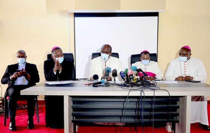 """Bispos da Igreja Católica alertam para """"perda de confiança"""" na justiça por """"interferência política"""""""