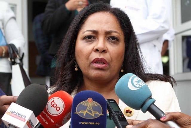 """Filha de Agostinho Neto diz não ser candidata à presidência do MPLA, mas não """"fechou portas"""""""