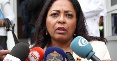 Filha de Agostinho Neto concorre à presidência do MPLA no congresso de Dezembro